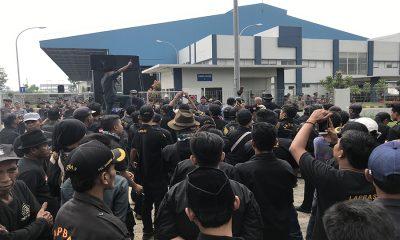 Kelompok Pendekar dan Ormas Berhadap-hadapan di PT Molly Cop Cilegon