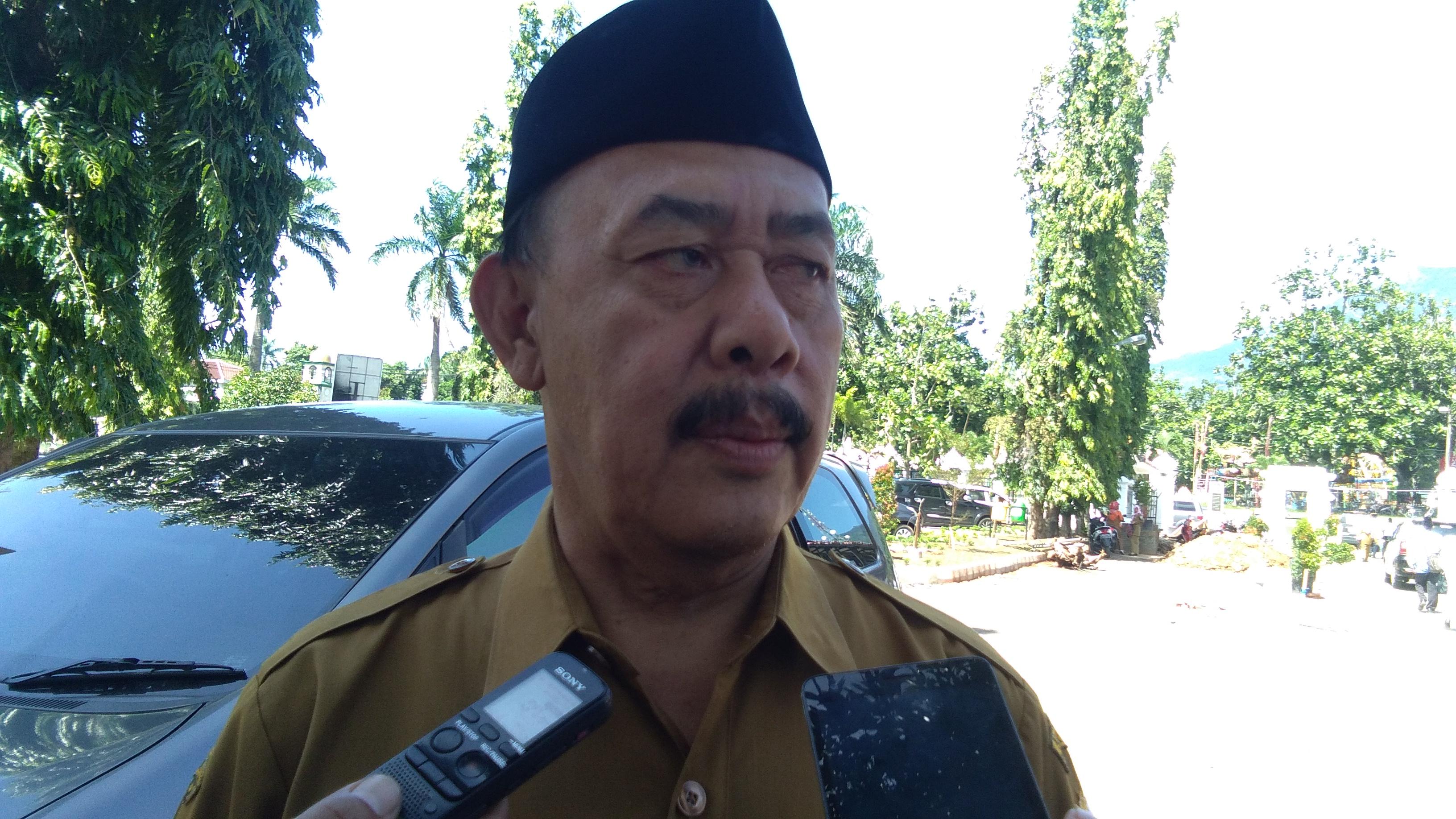 Kepala Dindikbud Pandeglang, Olis Sholihin,