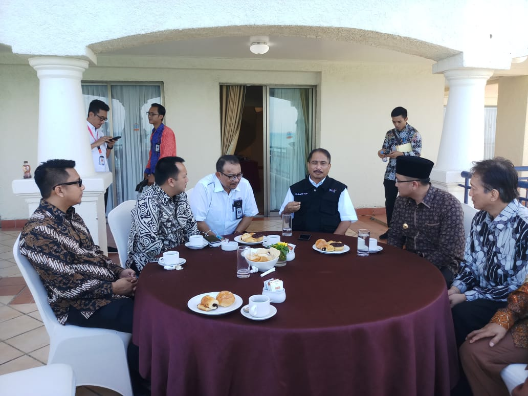 Menteri Pariwisata, Arif Yahya saat mengelar Rapat Koordinasi Pemulihan Sektor Pariwisata Selat Sunda Bangkit di Hotel Marbela Anyer, Serang, Jumat, 11 Januari 2019.