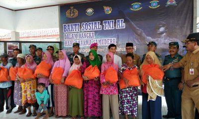 Hari Dharma Samudera, Dispotmar Mabes TNI AL Salurkan Bantuan untuk Korban Tsunami di Panimbang