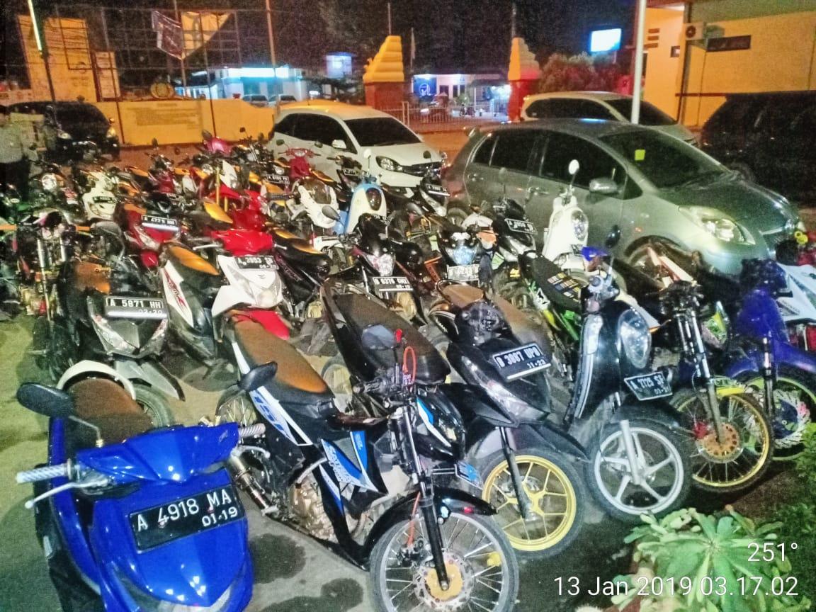 Bubarkan Balapan Liar di Jalan Multatuli, Polsek Rangkasbitung Amankan 40 Motor