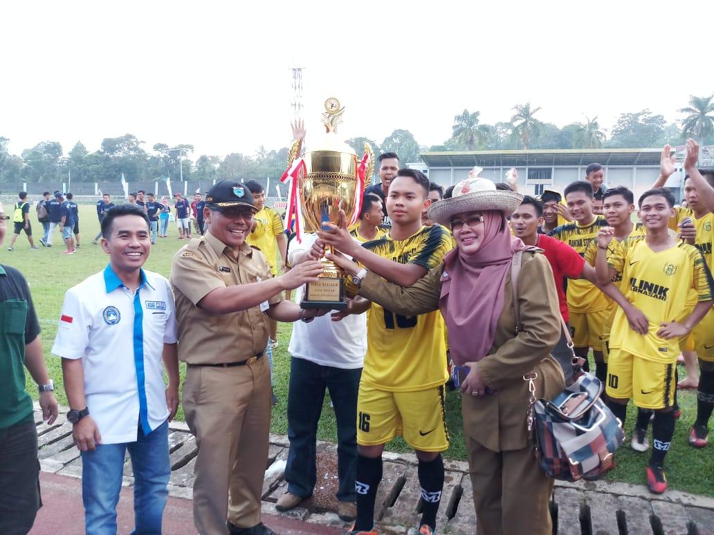 Bantar Stones Kecamatan Cimanuk Jadi Juara Liga Badak