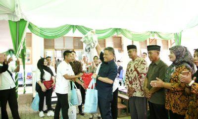 Kementerian KKP Bagikan Ikan Gratis ke Korban tsunami