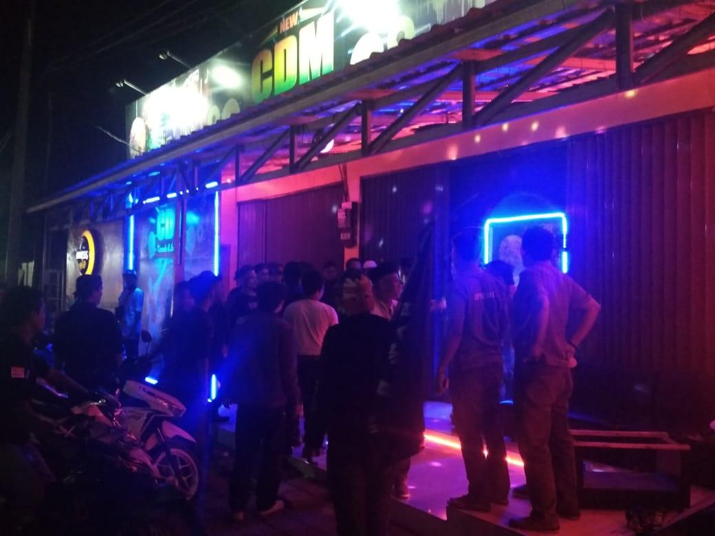 Massa Sweeping Tempat Hiburan Malam di Cilegon, Pengunjung Dipaksa Keluar