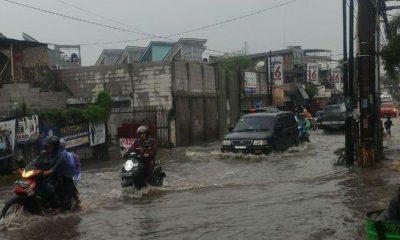Banjir di Jalan Ceger Raya Pondok Aren
