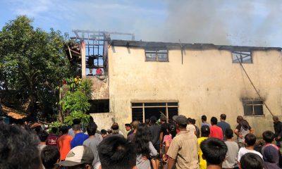 Mobil Pemadam Tak Bisa Masuk, Warga Panik Saat Api Melahap Rumah Lantai Dua di Labuan Pandeglang