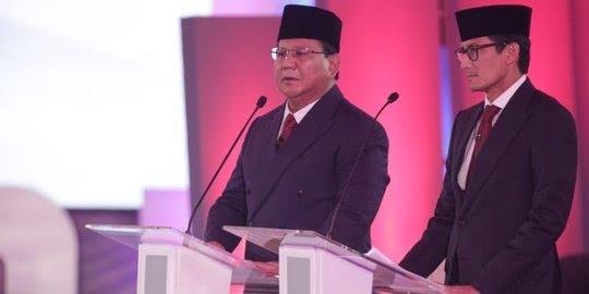 Pasangan Capres-cawapres nomor urut 02 Prabowo Subianto-Sandiaga Uno saat debat perdana.