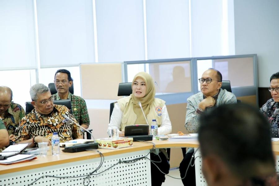 Bupati Pandeglang saat Koordinasi dengan BNPB