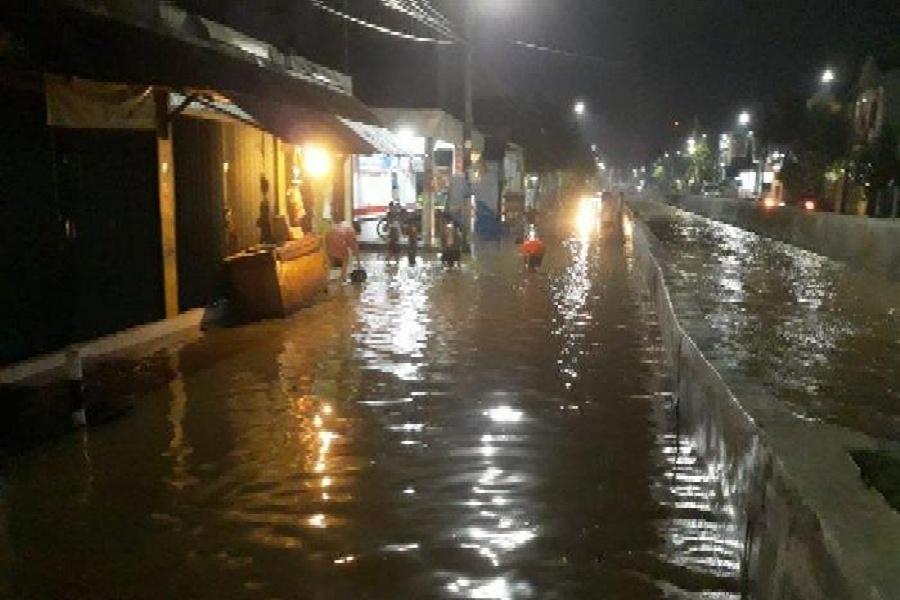 Tanggul Kali Serua Jebol, Kampung Bulak Dan Pondok Maharta Terendam hingga 1,5 Meter