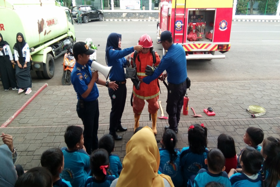 Simulasi pemadaman kebakaran