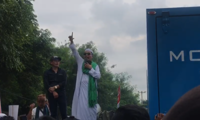 Massa FPUIB dan FPI aksi di KPU Banten