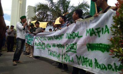 Badko HMI Jabodetabek-Banten Aksi di Kantor Gubernur