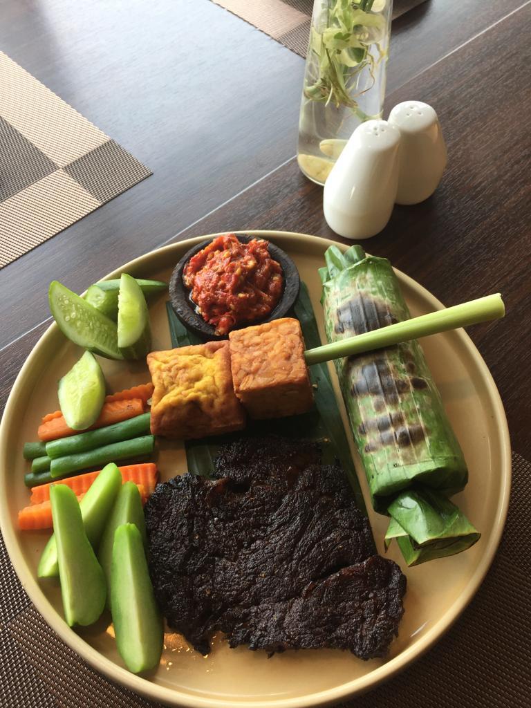 Nasi Liwet Bakar Sederhana Kini Hadir di Hotel Santika BSD, Juara Rasanya Ramah Harganya