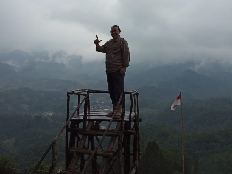 Gunung Luhur (lagi)