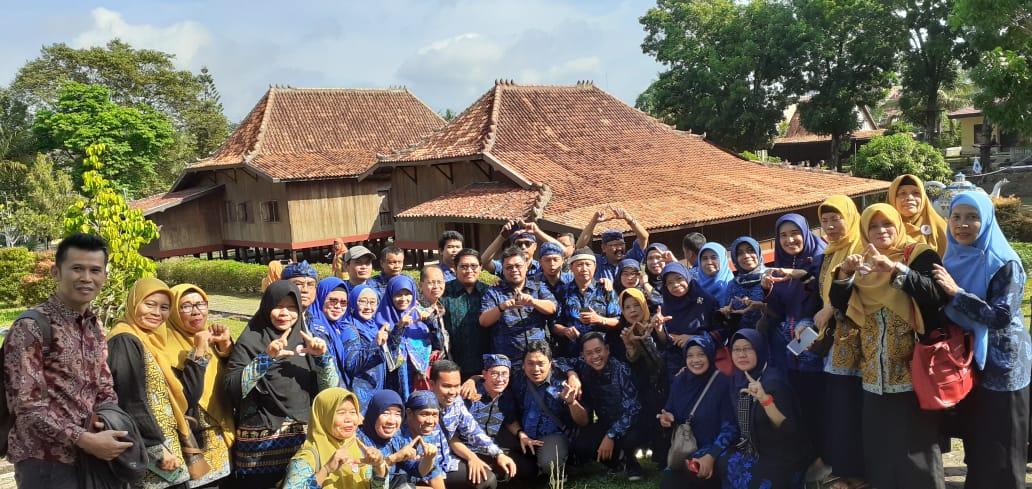 Luruskan Tafsir Sejarah yang Keliru soal Banten-Palembang di Masa Lalu, Guru Sejarah di Banten Disambut Tradisi Ngobeng-Ngidang Kesultanan Palembang