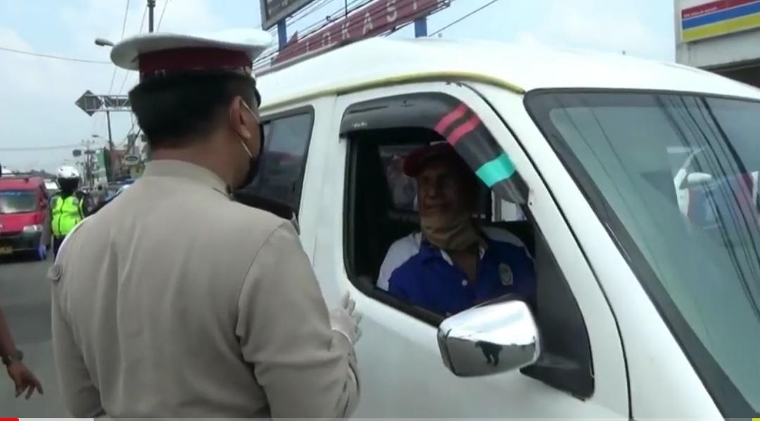 Pria Ini Ungkap Siasat Tembus Jakarta dan Lolos Hadangan Petugas di Tol Tangerang – Merak