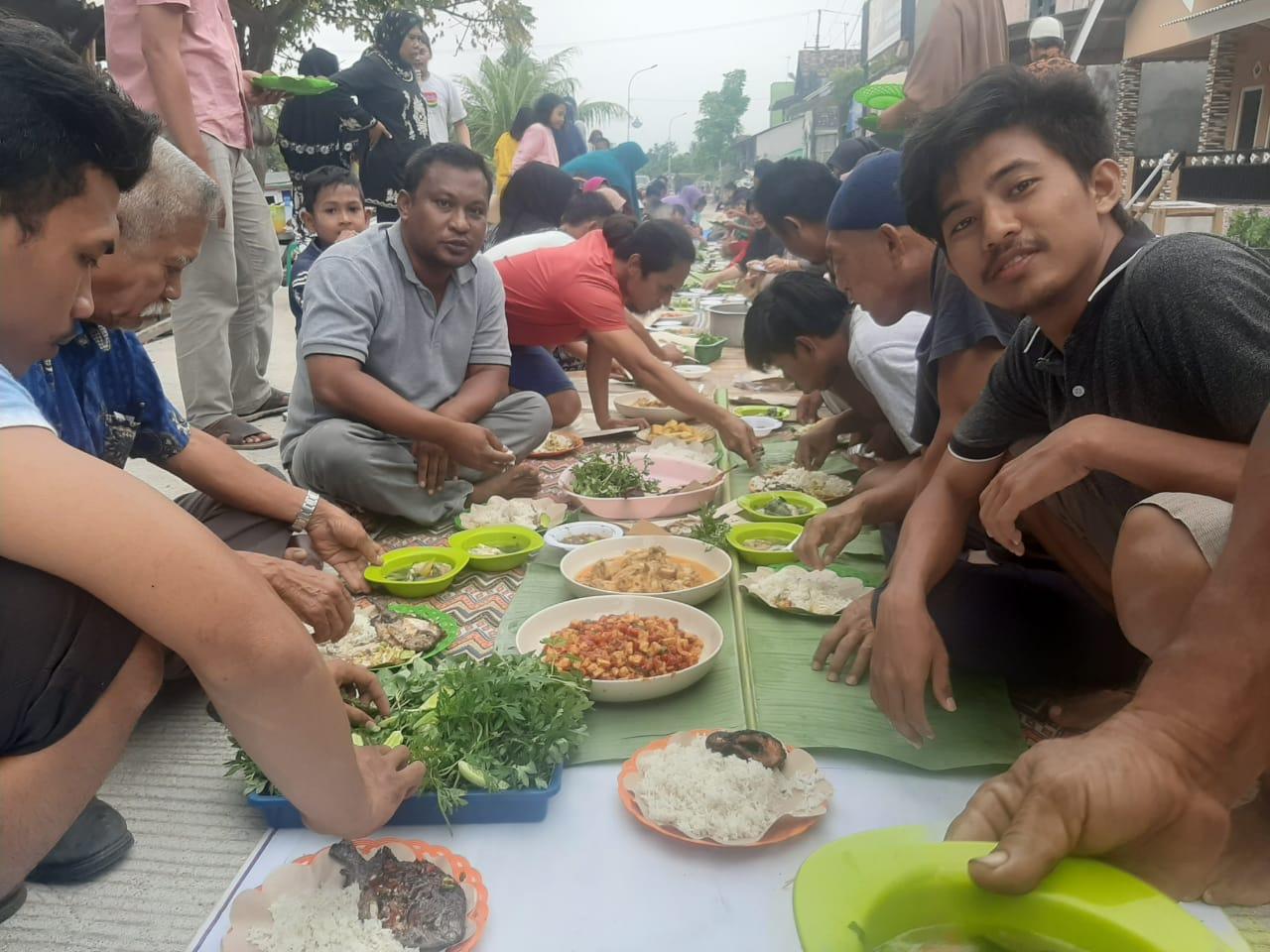 Sejak Indonesia Merdeka Tiga Generasi Warga di Kampung Karang Jaya Baru Bisa Merasakan Jalan Beton
