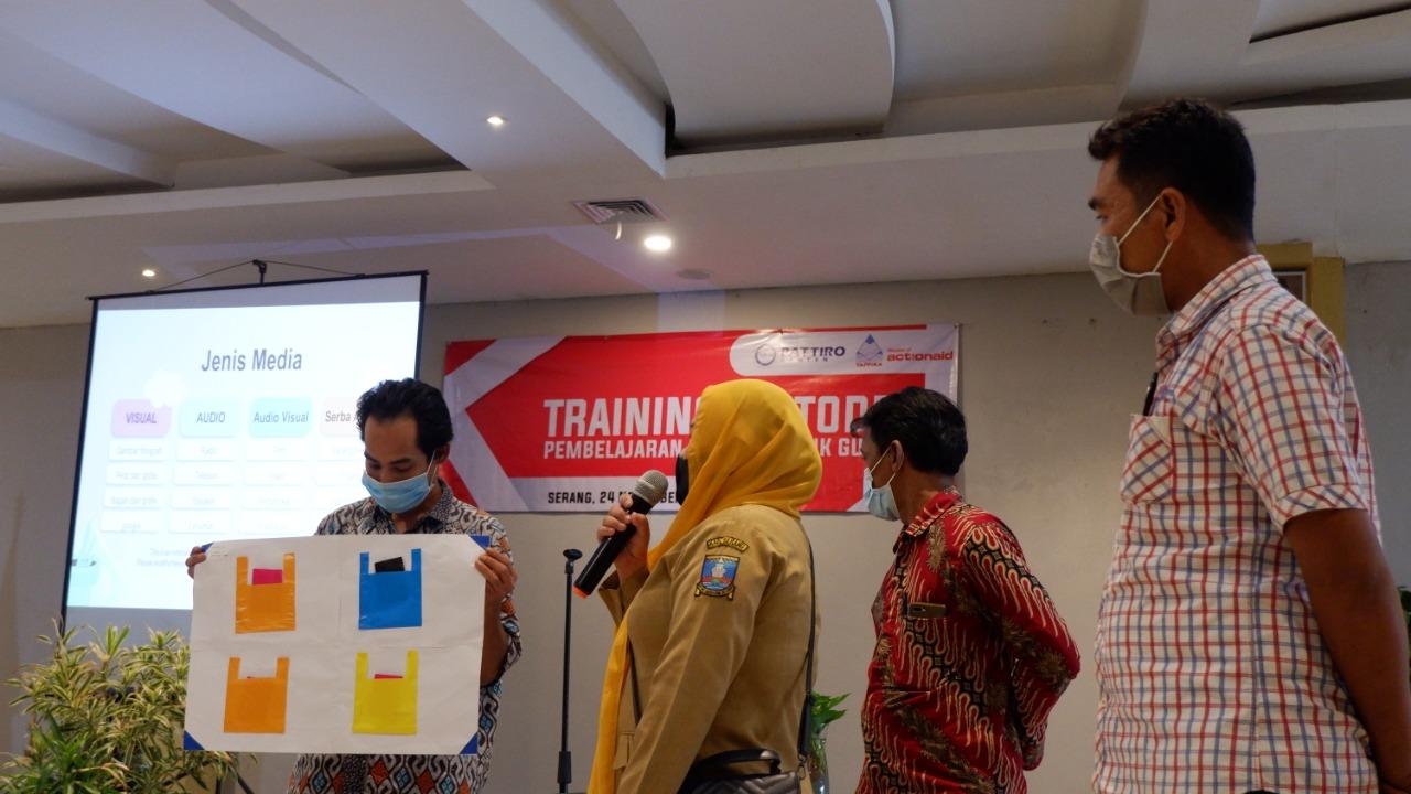 Puluhan Guru di Kab. Serang Dilatih Belajar Kreatif Bareng Pattiro