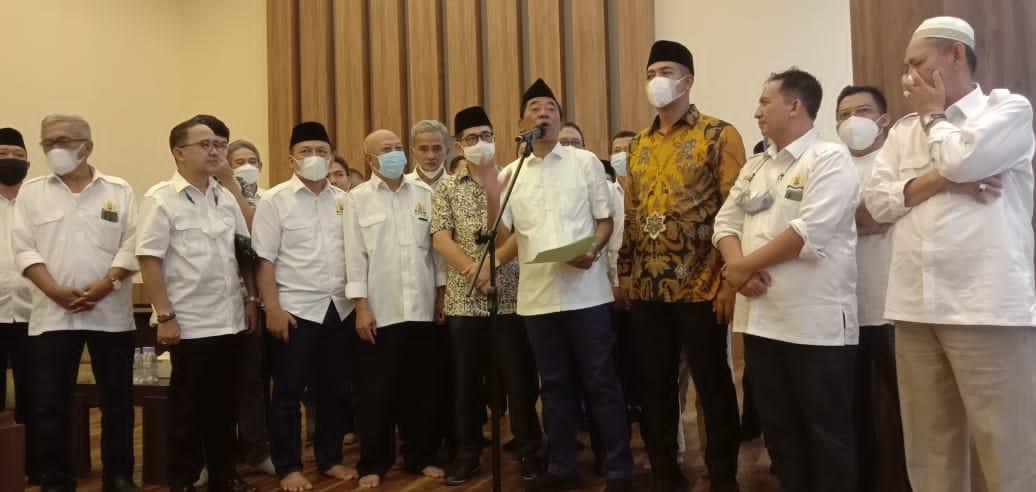 JB 'Mati-matian' Dukung Arsjad Rasjid Jadi Ketua Kadin Indonesia; Ancam Pecat Anggota Membelot hingga Minta Doa 'Keramat' Para Kiyai